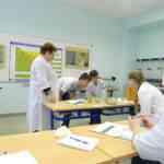 В лаборатории Котовского индустриального техникума